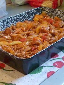 Kiskonyhám ízei: Tepsis brassói Pork Recipes, Cooking Recipes, Healthy Recipes, Vegetable Casserole, Good Food, Yummy Food, Hungarian Recipes, Delicious Dinner Recipes, Food 52