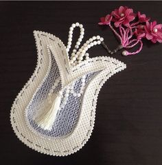 All Craft, Love Craft, Ramadan Decorations, Ribbon Work, Handmade Flowers, Baby Shower Parties, Crochet Flowers, Craft Gifts, Gift Bags