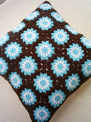 circle in a square cushion cover (riavandermeulen) Tags: vintage circle square crochet retro cover granny cushion