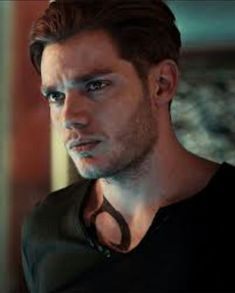 Clary Fray, Clary Et Jace, Alec Lightwood, Jace Wayland, Shadowhunters Series, Shadowhunters The Mortal Instruments, Dominic Sherwood Shadowhunters, Caroline Forbes, Shadow Hunters Cast