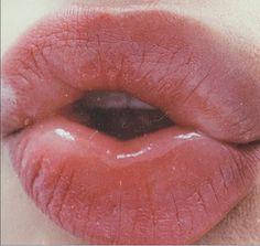 'Kiss me, beneath the milky twilight....' www.loversanddriftersclub.com