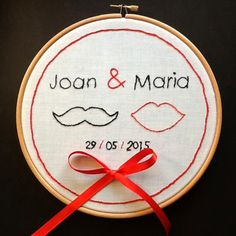 Bastidor Porta Alianzas, para llevar los anillos de Boda Ring Pillows, Better Together, Mini Quilts, Needlepoint, Diy Wedding, Wedding Planner, Stitching, Jewelery, Projects To Try