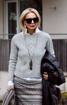 Fashion Trends for Women Over 50 - Fashion Trends 60 Fashion, Mature Fashion, Over 50 Womens Fashion, Fashion Over 50, Work Fashion, Winter Fashion, Fashion Looks, Fashion Trends, Color Fashion