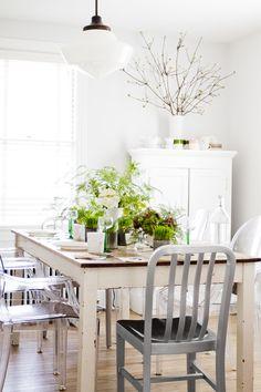 Spring Brunch + Floral DIY  Read more - http://www.stylemepretty.com/living/2014/03/20/spring-brunch-floral-diy/