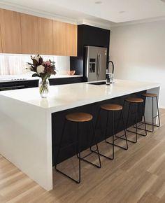Modern Home Decor Kitchen Home Decor Kitchen, Kitchen Design Open, Rustic Kitchen Design, Kitchen Decor, Interior Design Kitchen, Contemporary Kitchen, Kitchen Inspiration Design, Home Kitchens, Rustic Kitchen