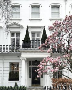 Pin for Later: You'll Fall in Love With These London Houses Without Even Looking Inside