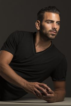 'America's Next Top Model' Hunk Nyle DiMarco Comes Out As Sexually Fluid