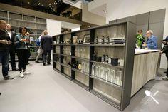 En este tablero os mostramos una serie de imágenes sacadas por nuestro equipo, en la Feria EuroCucina 2018, de Milán.  En ellas podemos observar diferentes tipos de muebles para tener todos los accesorios de la cocina bien organizados.  Esta manera de organizar nuestro espacio en la cocina, es una de las tendencias vistas en la Feria EuroCucina, y estamos seguros que no dejarán indiferente a nadie en cuanto a organización de espacios se refiere. Kitchen In, Cocinas Kitchen, Liquor Cabinet, Divider, Storage, Room, Furniture, Home Decor, Kitchen