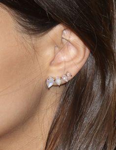 Emily Ratajkowski's Swarovski ear cuff at the We Are Your Friends premiere. Divine.