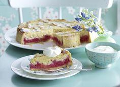 Unser beliebtes Rezept für Rhabarber-Torte und mehr als 55.000 weitere kostenlose Rezepte auf LECKER.de.