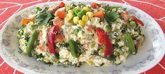 Salata dietetica din piept de pui poate constitui o masa delicioasa si consistenta, dar cu calorii putine. Se prepara usor si rapid. Cobb Salad, Salads, Food, Meals, Salad, Yemek, Lettuce, Eten