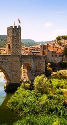 Besalú  Prov. Girona  Catalonia