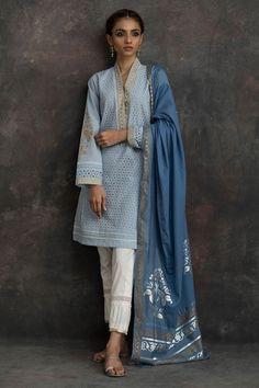 Show details for Hydrengea Pakistani Fashion Casual, Pakistani Dress Design, Pakistani Outfits, Indian Outfits, Eid Outfits, Pakistani Couture, Dress Indian Style, Indian Wear, India Fashion