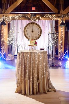 New Years Eve Wedding Inspiration New Years Eve Wedding Inspiration More from my site 10 New Years Wedding Ideas Wedding Day Details New Years Wedding, New Years Eve Weddings, Wedding News, Mod Wedding, New Years Eve Party, Trendy Wedding, Wedding Events, Rustic Wedding, Real Weddings