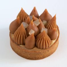 Caramel and Pear Tartlets Small Desserts, Fancy Desserts, No Cook Desserts, Just Desserts, Dessert Recipes, Pastry Recipes, Tart Recipes, Sweet Recipes, Patisserie Fine
