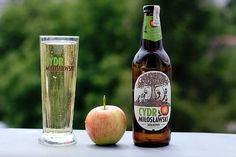 Czy próbowałeś już Cydru Miłosławskiego? Wspaniały smak jabłek z polskich sadów!  Dodatkowy powód by go spróbować - #jedzjablka http://bit.ly/1nayXKp