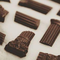 "Foto dall'evento ""edible Architextures"" di AVM C.   alla Royal Academy of Art, Londra   21 Febbraio 2014. Photos© Paul Singer -dettaglio dei ""Column Fragments"""