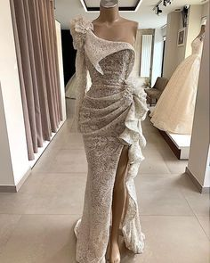 Sparkly Sequin White Mermaid Evening Dresses 2020 One Shoulder Long Sleeves High Slit Women Formal Prom Gown Party Dress Mode Outfits, Dress Outfits, Fashion Dresses, Fashion Clothes, Elegant Dresses, Beautiful Dresses, Nice Dresses, Mermaid Evening Dresses, Evening Gowns