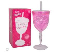 Taça plástica com canudo, parede dupla, e micro pérolas de gel térmico que mantém a temperatura da sua bebida.