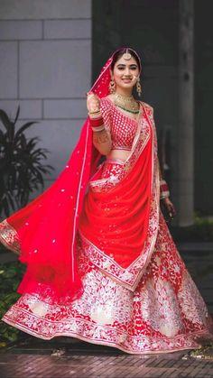Indian Bride Poses, Indian Wedding Bride, Indian Wedding Photos, Wedding Pics, On Your Wedding Day, Dream Wedding, Red Lehenga, Bridal Lehenga, Bridal Songs