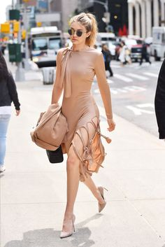 121 Top Looks from Gigi Hadid Style - Fashionetter