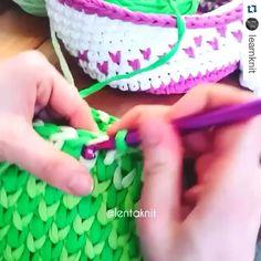 Aprenda Crochê e Aumente Sua Renda Mensal de Maneira Surpreendente! Crochet Stitches For Blankets, Crochet Blanket Patterns, Knitting Patterns, Crochet Home, Love Crochet, Knit Crochet, Knitting Projects, Crochet Projects, Wedding Cross Stitch Patterns