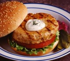 Canned salmon recipe from ifood.tv. This canned salmon burger recipe is one of my favorites. Being a health freak, I love the salmon and grill it