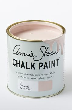 """How to Decorate Your Home with Pantone's Rose Quartz and Serenity 