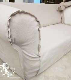 Drop cloth reupholster - or drop cloth slip cover Drop Cloth Slipcover, Slipcovers, Couch Slipcover, Diy Sofa, Furniture Makeover, Diy Furniture, Friends Furniture, Canapé Diy, Drop Cloth Projects