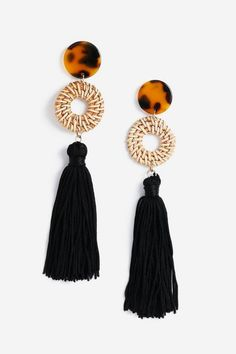Topshop Wicker Link Drop Tassel Earrings – Jewelry And Accessories Coin Pendant Necklace, Tassel Drop Earrings, Bar Stud Earrings, Dainty Earrings, Star Earrings, Gold Hoop Earrings, Crystal Earrings, Crystal Jewelry, Silver Jewelry