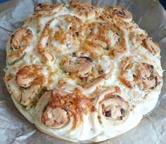 Cibuľový+slaný+koláč Slovak Recipes, Russian Recipes, Pizza, Quiche, Ham, Cauliflower, Bread, Snacks, Baking