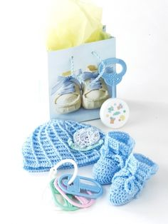 Buy Yarn Online and Find Crochet and Knitting Supplies and Patterns Crochet Snail, Crochet Crafts, Yarn Crafts, Crochet Ideas, Crochet Projects, Diy Projects, Crochet Patterns For Beginners, Knitting Patterns Free, Free Knitting