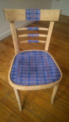 L. Grao.  silla thonet customizada con papel  38€
