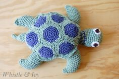 Make this beautiful crochet sea turtle with this fun and easy pattern. Your child will love it!