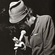 Tom Smokes