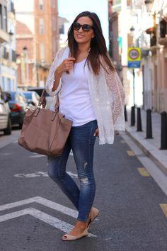 Ripped jeans_ Rojo Valentino blog (22)22