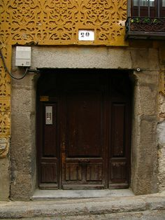 Old door, Segovia, Spain | Flickr: Intercambio de fotos