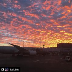 A beautiful start to the week with sunrise this morning at Cairns Airport. #nomondayblues #cairnsairport  #Repost @ikalubis with @repostapp   #sky