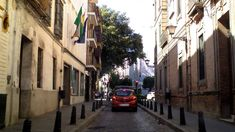 Driving in Spain: Seville old town experience (sights&sounds)