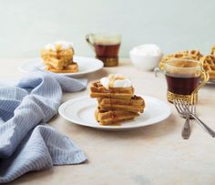 Earl Grey and Ricotta Waffles with Honey Sweet Cream Bottomless Brunch, Joy The Baker, Easy Brunch Recipes, Food Reviews, Cookbook Recipes, Ricotta, Party Planning, Waffles, Tasty