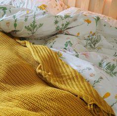 Incredible Yellow Aesthetic Bedroom Decorating Ideas 15 is part of bedroom Aesthetic Yellow - Incredible Yellow Aesthetic Bedroom Decorating Ideas 15 Hufflepuff Bedroom, Hufflepuff Pride, Color Menta, Aesthetic Room Decor, Teen Girl Bedrooms, Yellow Bedrooms, Girl Rooms, Teen Bedroom, Aesthetic Vintage
