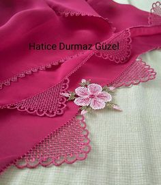 This post was discovered by Bahriye Öztürk. Discover (and save!) your own Posts on Unirazi. Linens And Lace, Needle Lace, Lace Making, Knitting Needles, Save Yourself, Tatting, Needlework, Diy And Crafts, Embroidery