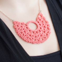 i love crochet accessories tho i havent had any because it looks so light Crochet Collar, Knit Crochet, Beaded Collar, Crochet Bracelet, Crochet Earrings, Crochet Crafts, Crochet Projects, Diy Jewelry, Handmade Jewelry