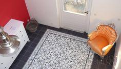Cement tiles Bedroom - Oval Blanco - Border Negra Curls White + Corner - Egal Negra S800 - Project van Designtegels.nl
