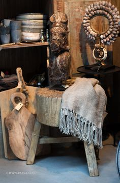 Parvani | houten-kruk-tafeltje-hakblok-elmwood