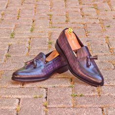 Custom Made Loafers in Italian Raw Crust Leather with Purple and Denim Papiro Hand Patina Custom Made Shoes, Custom Design Shoes, Mens Fashion Shoes, Men S Shoes, Mens Suede Boots, Gentleman Shoes, Formal Shoes, Casual Shoes, Tassel Loafers