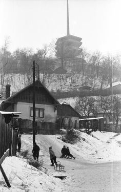 Toronyalja utca, háttérben a kilátó. Christmas Travel, I Want To Travel, Old Pictures, Historical Photos, Hungary, Budapest, Finland, Arch, To Go