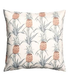 White/pineapple. Cushion cover in slub-weave cotton fabric with a printed pattern. Concealed zip.