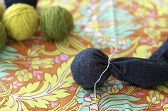 homemaking for the modern mama: homemade dryer balls | The Sleepy Time Gal