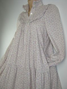 LAURA ASHLEY VINTAGE LILAC PERIWINKLE SUMMER SMOCK DRESS,6 - MADE IN CARNO/WALES
